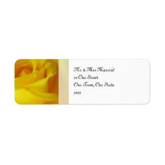 Boda subió que brilla intensamente amarillo etiqueta de remite