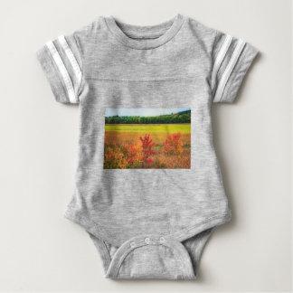 Body Para Bebé Árboles del otoño en los grandes prados