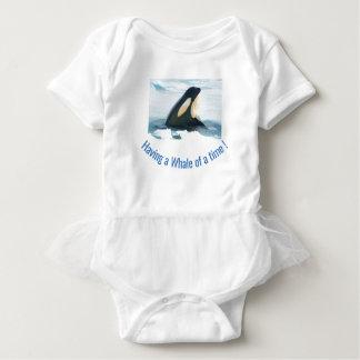 Body Para Bebé Azul de Spyhop de la ballena de la orca