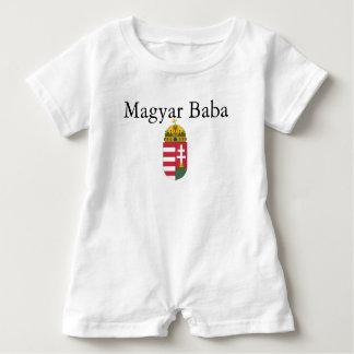 Body Para Bebé Bizcocho borracho w/Coat del Magyar de brazos