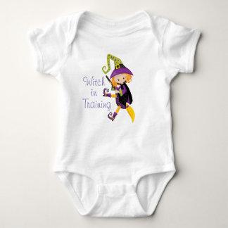 Body Para Bebé Bruja en el entrenamiento