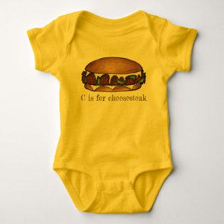 Body Para Bebé C está para el bocadillo de filete del queso de