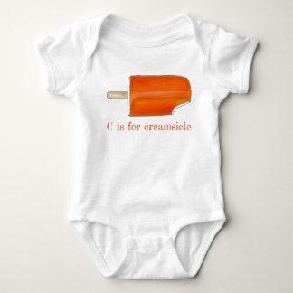 Body Para Bebé C está para el Popsicle anaranjado del helado de