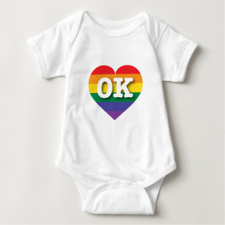 Body Para Bebé Corazón del arco iris del orgullo gay de Oklahoma