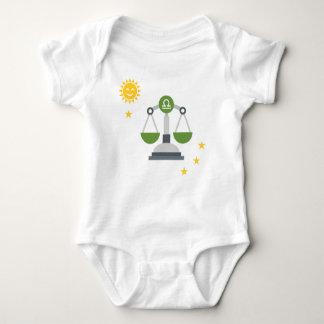 Body Para Bebé El libra escala el mono del bebé - muestra de la