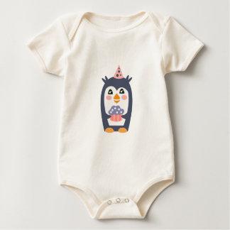 Body Para Bebé El pingüino con el fiesta atribuye enrrollado