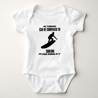 Body Para Bebé El tender y diseños que practican surf