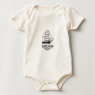 Body Para Bebé en el agua profunda seria