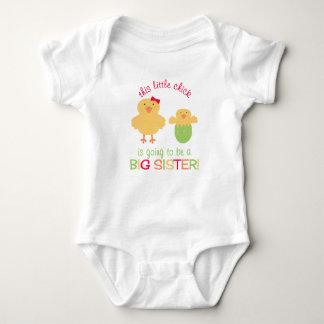 Body Para Bebé ¡Este pequeño polluelo va a ser una HERMANA