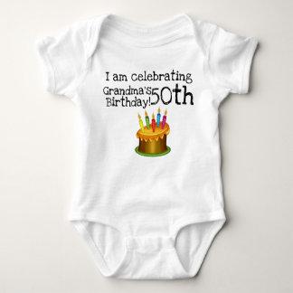 Body Para Bebé Estoy celebrando el 50.o cumpleaños de la abuela