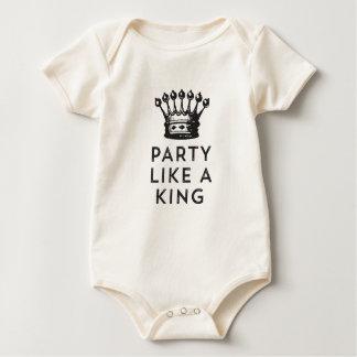 Body Para Bebé Fiesta como un rey Birthday Tee
