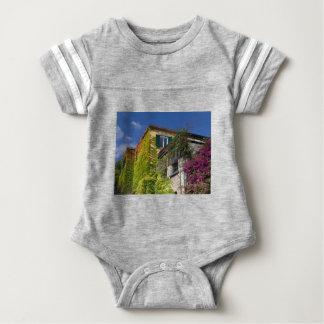 Body Para Bebé Hojas coloridas en casa
