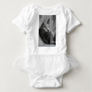 Body Para Bebé La mirada azul rusa del gato observa al mascota