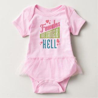 Body Para Bebé Las hembras rosadas del amor del mono son Stronge