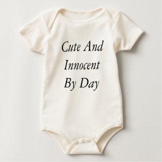 Body Para Bebé Lindo e Innocent por día