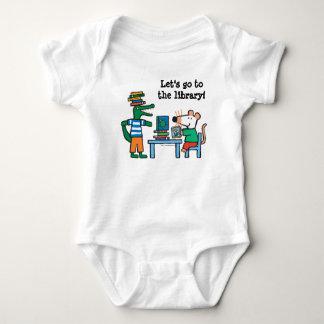 Body Para Bebé Maisy y los amigos gozan de la biblioteca
