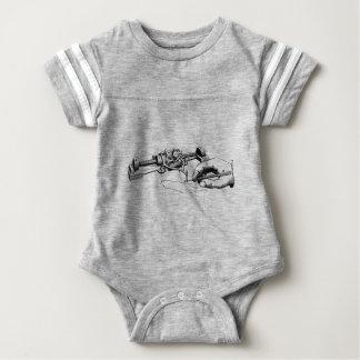 Body Para Bebé Mano que repara el viejo dispositivo