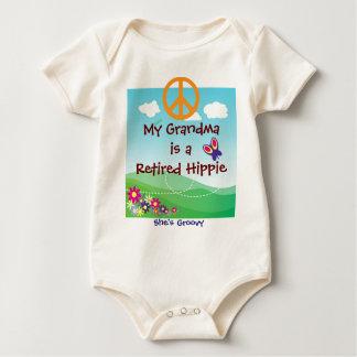 Body Para Bebé Mi abuela es una ropa jubilada del bebé del Hippie