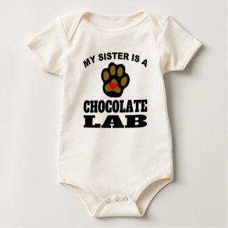 Body Para Bebé Mi hermana es un laboratorio del chocolate