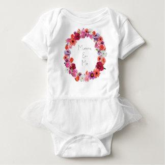Body Para Bebé Momia y yo florales de la guirnalda