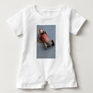 Body Para Bebé Mono en un coche del juguete
