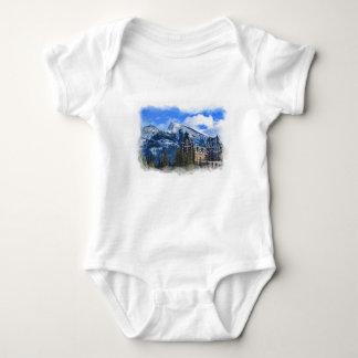Body Para Bebé Mt Rundle y hotel famoso, Banff, Alta, Canadá