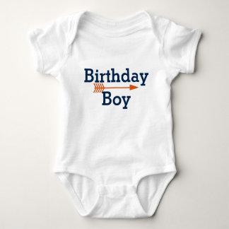 Body Para Bebé Muchacho del cumpleaños - flecha anaranjada de