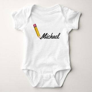 Body Para Bebé Nombre personalizado escritura amarilla del lápiz