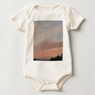 Body Para Bebé Nubes extrañas 2