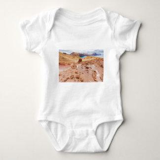 Body Para Bebé Paisaje lunar de Moonscape con las rocas en la
