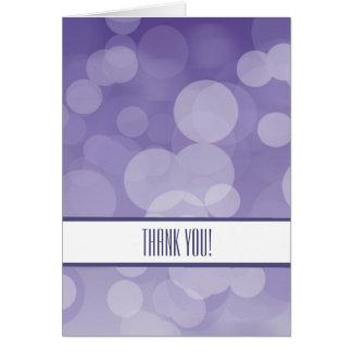 Bokeh púrpura le agradece tarjeta pequeña