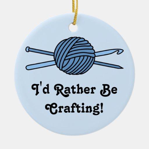Bola azul del hilado (punto y ganchillo) ornamento para arbol de navidad