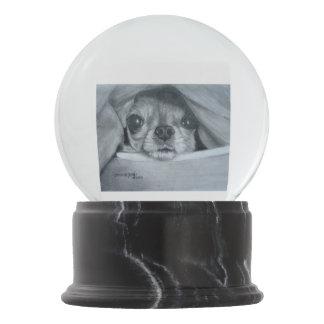 Bola De Cristal Con Nieve Chihuahua debajo de la manta por el villancico