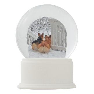 Bola De Cristal Con Nieve Dos Corgis en invierno