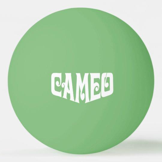 Bola de ping-pong con el logotipo blanco del pelota de ping pong