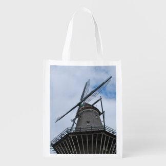 Bolsa De La Compra Reutilizable Molino de viento de Amsterdam con el cielo azul