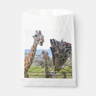 Bolsa De Papel Bolsos del favor de las jirafas del cotilleo