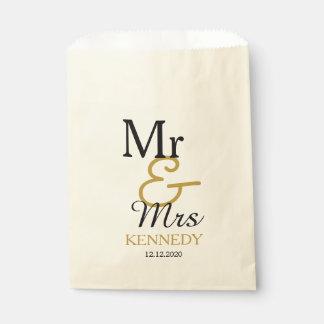 Bolsa De Papel Sr. simple y señora Wedding del negro y del oro