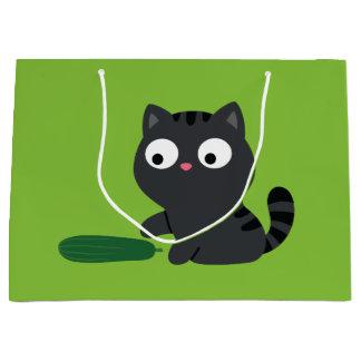 Bolsa De Regalo Grande Ilustracion del gatito y del pepino