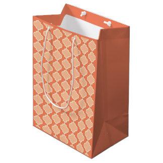 Bolsa De Regalo Mediana Bolso anaranjado del regalo de Quatrefoil del