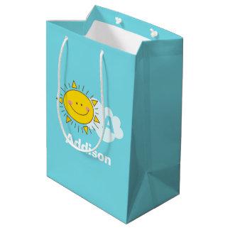 Bolsa De Regalo Mediana El monograma feliz lindo de la sol de Kawaii añade