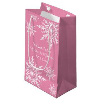Bolsa De Regalo Pequeña Los copos de nieve en el boda rosado del invierno