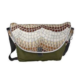 Bolsas De Mensajeria La bolsa de mensajero beige del medio del mosaico
