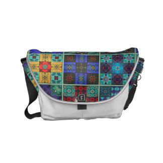 Bolsas De Mensajería Ornamento de Talavera del mosaico del vintage