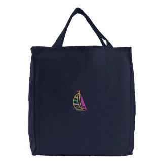 Bolso bordado velero
