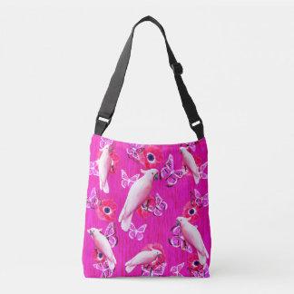 Bolso Cruzado Cockatoos blancos, mariposas y amapolas rosadas,