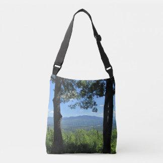 Bolso Cruzado Montañas entre dos árboles
