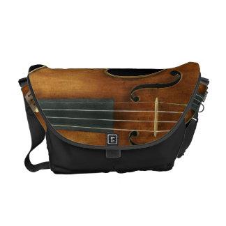 Bolso De Mensajero Stradivari se reprodujo encendido