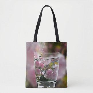 Bolso De Tela Agua de colada en los flores del cerezo de la