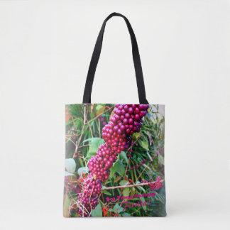Bolso De Tela Americano Beautyberry en los jardines la Florida